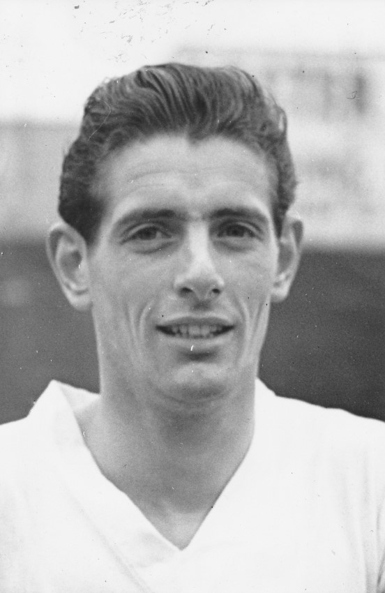 John Groves, who played in the 1959 FA Cup final for the Hatters, has died aged 83