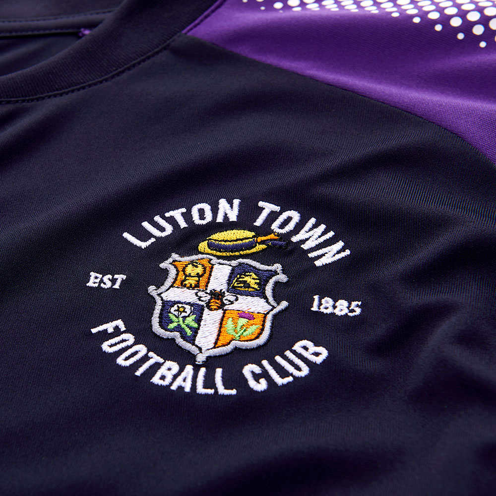 17-18 Away Kit detail